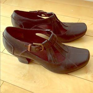 Medium heels 👠 black shoes